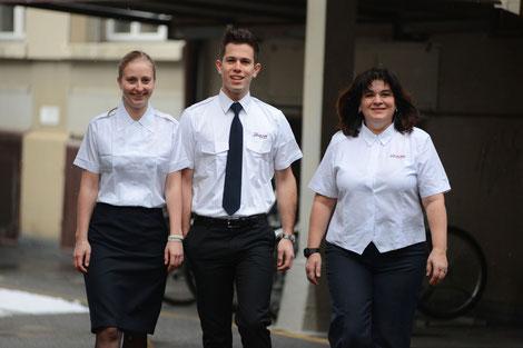 Klassische Bluse weiss HK, Klassisches Hemd mit Logo UK, New Style Premier Bluse UK