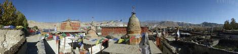 Über den Dächern von Lo Mantang