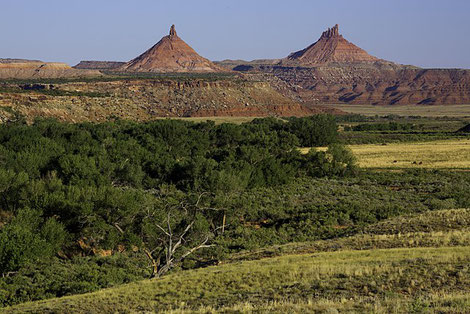 Day Time in Indian Creek - the Sixshooter Peaks in Bears Ears National Monument