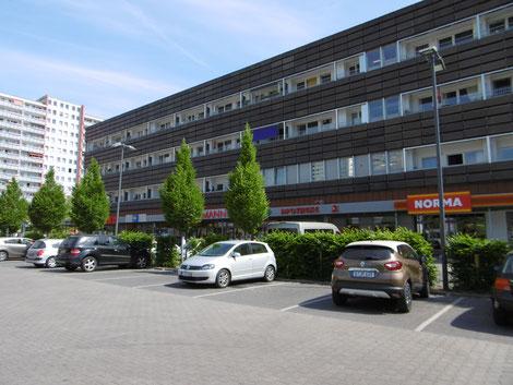Wohn- und Geschäftshaus/Einzelhandelsmarkt, Berlin-Fennpfuhl