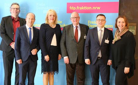 (von links nach rechts) Franzkewitsch, Busshuven, Schneider, Hermes, Dr. Schwintek, Freimuth