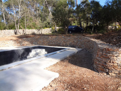 dry-stone-wall-lorgues-var-83-constructed-construction