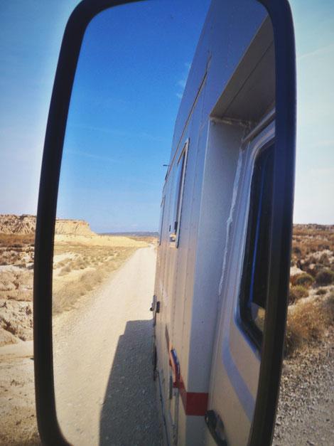 désert espagne bardenas bigousteppes camion mercedes