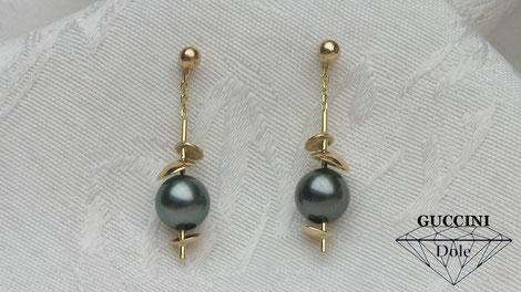 "Boucles d'oreilles "" les chips"" or 18 carats et perles Tahiti"