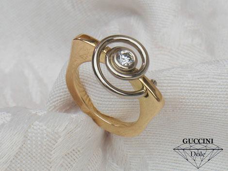 """bague """"spirale"""" or 18 carats et diamant"""