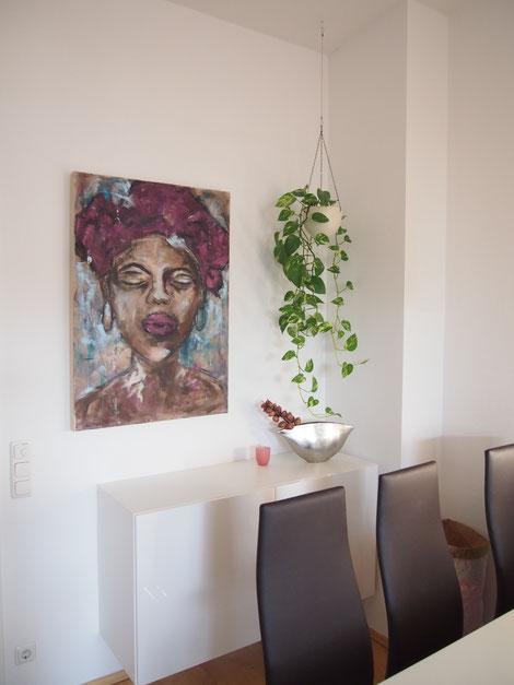 Malerei von Linda Ferrante in Wohnräumen.
