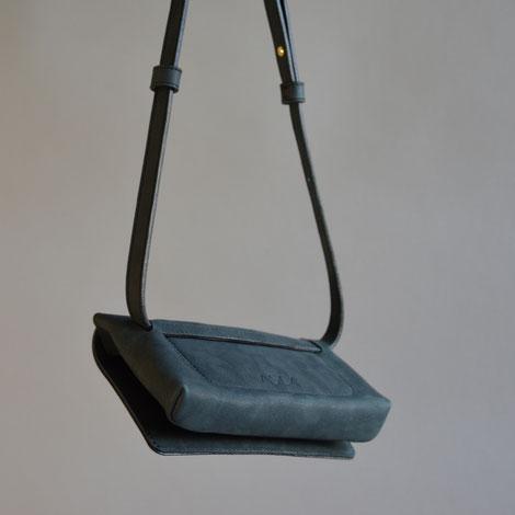ASCK Tasche small Rückseite mit Prägung