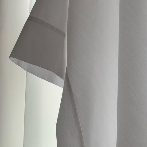 ASCK Bluse N° 02 aus weissen Baumwoll-Popeline aus kontrolliert biologischen Anbau gefertigt. Der Stoff ist GOTS-zertifiziert.