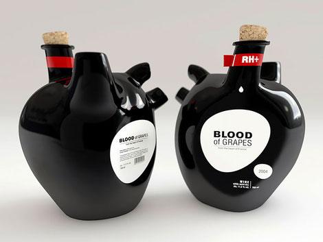Curiosa y diferente. Esta botella de vino con aspecto de órgano y que ponga SANGRE DE UVA... Drácula vendrá a comprar un palé entero.