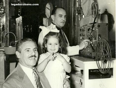 Presidente cubano Carlos Prío Socarrás y su hija.
