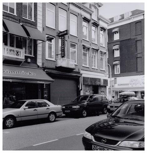 Giftshop Kaaks, maart 2000, bron: https://www.amsterdam.nl/stadsarchief/