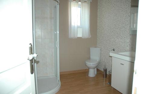 la salle de bains de la chambre Mélodie