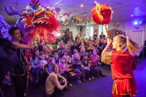 С первых минут дети окунулись в радостную атмосферу праздника с ярким восточным колоритом