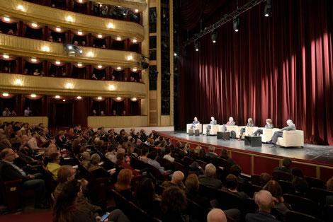 Zukunft der Demokratie: Internationales Podium im Burgtheater Wien. Februar 2016