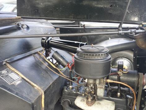Der Motor ist nun wieder Original,da er vom Vorbesitzer in moderner Opel Farbe der 90er Rot und Silber Lackiert wurde. Den Kabelbaum der wohl mal neu gemacht wurde muss wieder weichen, da er wohl nach einem 35er Schaltplan gemacht wurde der im Handschuhfach lag.