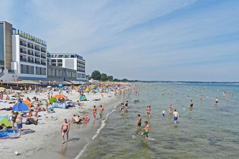 Балтийское море Германия Шарбойтц пляж