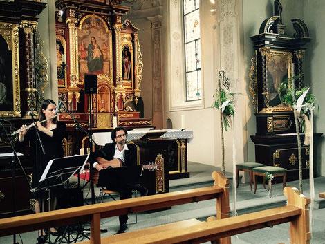 Hochzeit in der Schlosskapelle Pfäffikon SZ  / 2016 / Claudia - Querflöte, Thomas - Gitarre, Beatrice - Foto :)