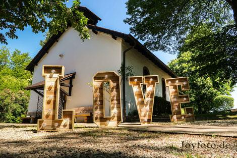XXL Buchstaben LOVE mieten  Merzig