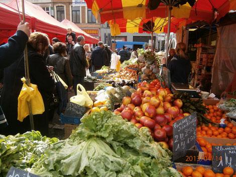 Wazemmes Trödelmarkt, Sonntagsmarkt, Gruppenreise, Frankreichreise, Museen, Nordfrankreich, Nord-Pas-de-Calais, Lille, Roubaix, Arras, Stollenbesichtigung, La Piscine, LaM,