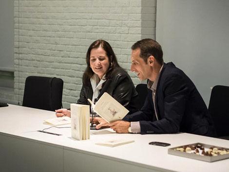 Presentación de Lena Yau. Con Juan Gallo.