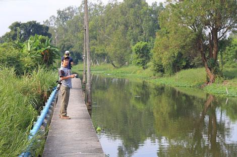 タイでの鳥調査の様子
