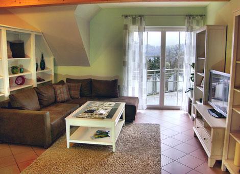 helles, gemütliches Wohnzimmer