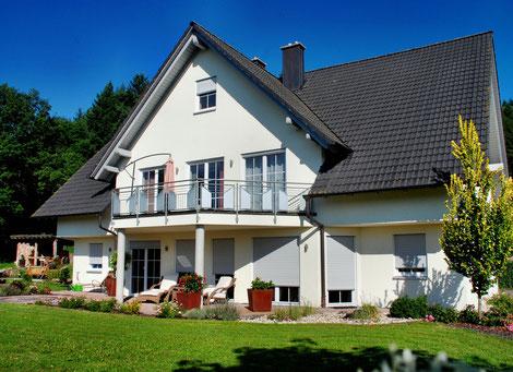 vom Seminarraum im Erdgeschoss hat man direkten Zugang zur Terrasse und in den Garten