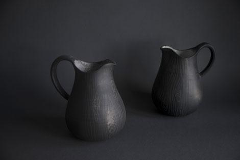tree woods pattern sgraffito traditional contemporary ceramics latvian pottery