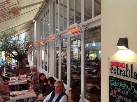 Heizstrahler auf der Terrasse in der Gastronomie