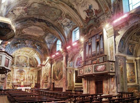 Heizstrahler in historischer Kirche