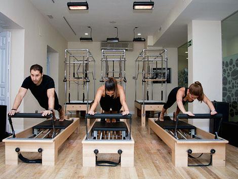 Punktuelle TANSUN Infrarot-Deckenheizung im Fitnessstudio