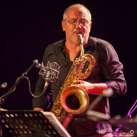 François Corneloup, saxophone baryton. Festival JAZZ360 2017, Cénac. Photographie Christian Coulais