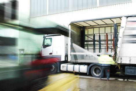 Bucher Treppen - moderne Treppenherstellung - Just-in-Time-Produktion & Logistik, LKW Entladung