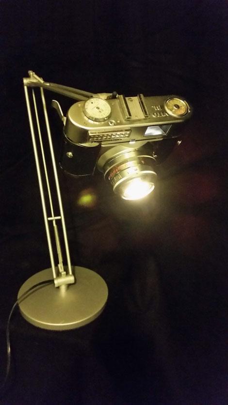 schreibtisch lampe light spot beleuchtung upcycling berlin david bergmann art einzelstück 12V akkubetrieb