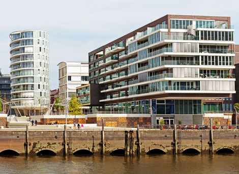 Luxusimmobilien in Hamburg - Traumwohnung direkt am historischenHafenmit Blick auf die Elbphilharmonie, HCH Der HafenCity-Makler GmbH