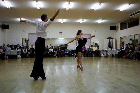 いわきダンススクール様にも、カバザクラのフローリングを使って頂いています。