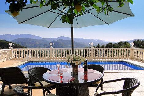 Ferienwohnung Valencia, Terrasse und Ausblick auf Monterrey, Bild (c) Birgitta