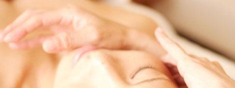 「疲れた心の特効薬」癒しのアロマフェイシャル