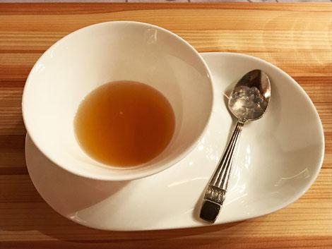 ナメラのスープ。 これも味わい深くおいしいが、いくらなんでも少ないです!