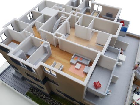 3D-Druck Modell Mehrfamilienhaus, abnhembare Stockwerke, Innenaufteilung und Möblierung.