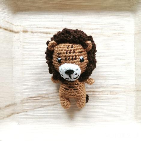 Rasseltierchen Löwe von Vo-Herz-Ä