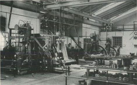 Frühe Dieselmotoren-Serienherstellung und -Erprobung bei AB Diesels Motorer im Jahr 1900.