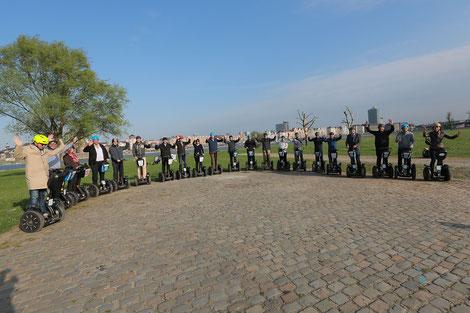 Segway Firmentour am Rheinufer