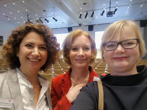 Anne-Claire Bruehl, Eva Schumacher-Wulf, Nicole Kultau
