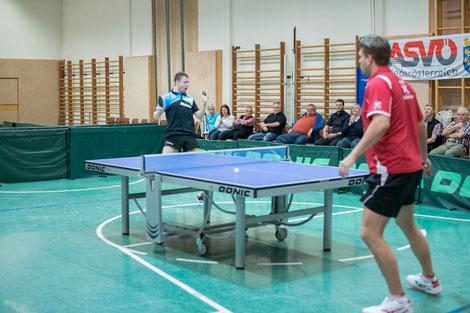 Schlüsselmoment gegen Oberndorf. Martin Kinslechner schlägt die gegnerische Nummer 1, Christian Wolf. Gegen Daxböck brauchte Martin Nerven aus Stahl.