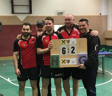 Michael Kufmüller, Helmut Faltinger, Martin Kinslechner, Tomas Janci und Albert Wilder feierten den Sieg im letzten Heimspiel der Saison.
