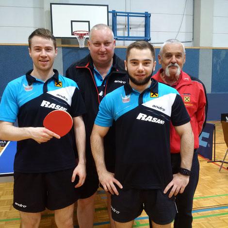 Martin Kinslechner, Tomas Janci und Michael Kufmüller freuten sich über einen Sieg. Helmut Faltinger unterstützte das Team lautstark!