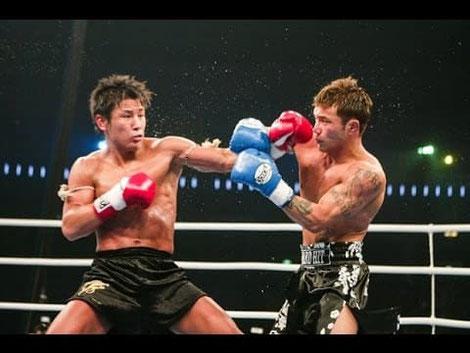 キックとボクシングの二刀流