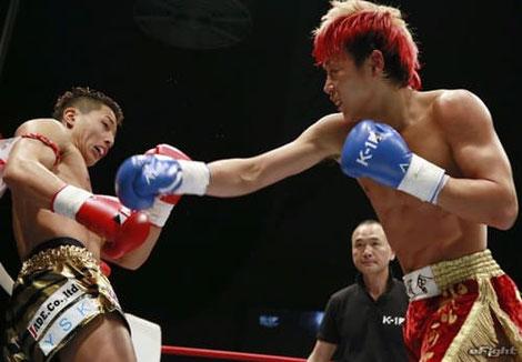 ボクシングでバックハンドブロー