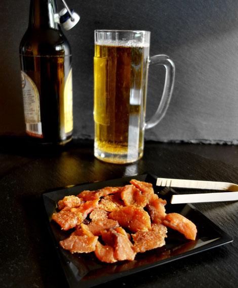 Salmon Jerky, Lachs Jerky - passt in geselliger Runde zu Bier, Whiskey und anderen Getränken